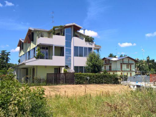 Casa con serra solare e giardino a Imola Zolino U3