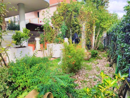 Villa a Castel San Pietro Terme Via Viara con piscina e giardino U1